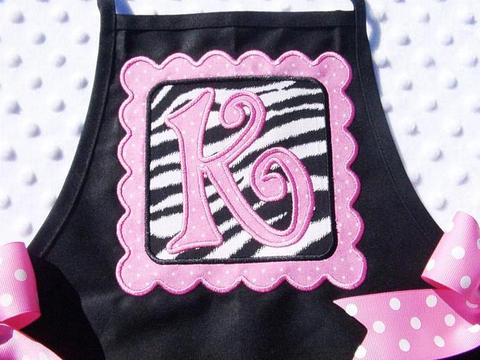 Scalloped Square Patch Applique Machine Embroidery Design