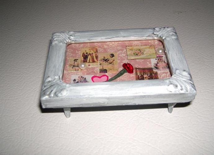 Display Coffee Table in One Inch Scale