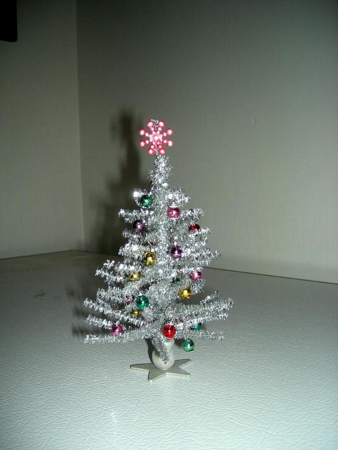 """Decorated Silver """"Vintage Style"""" Christmas Tree in One Inch Scale"""