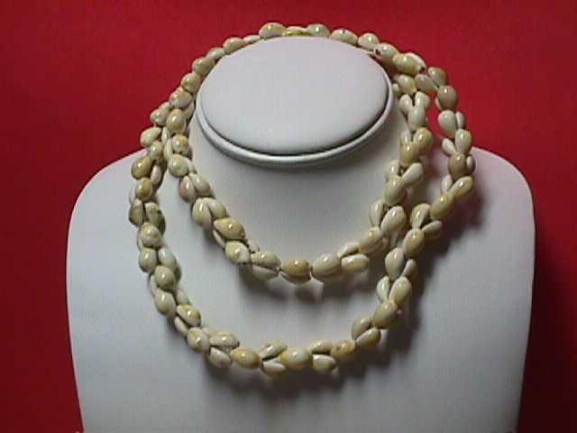 "Vintage - 35"" Single Strand Natural Seashell Necklace-No Clasp"