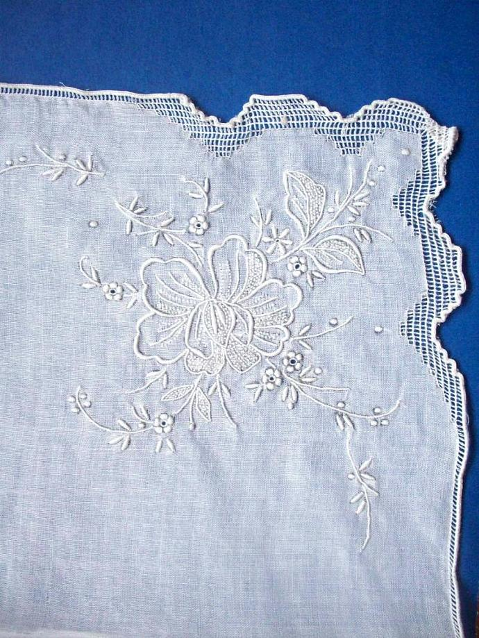 Vintage - White Floral Hanky Embroidered