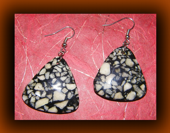 Black and White Coral Teardrop Dangling Earrings