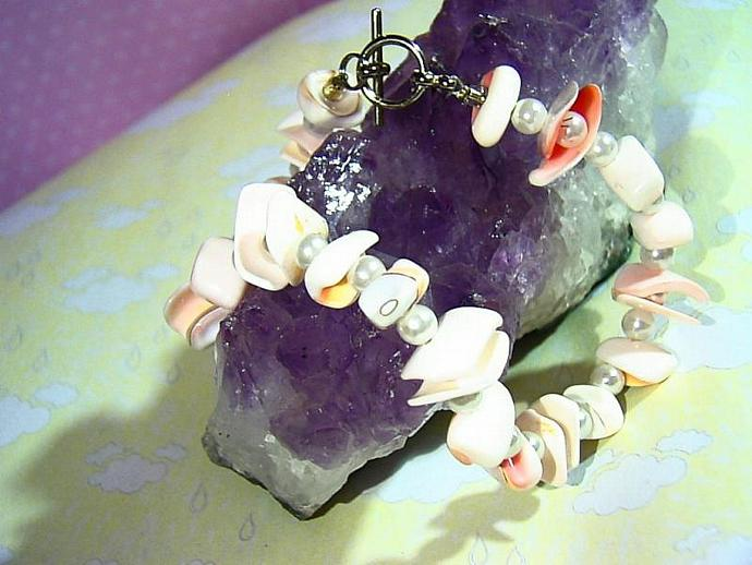 Sun and Surf Anklet- shell and pearl