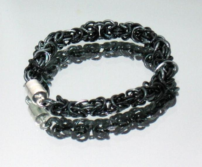 Shades and Shadows Chainmaille Bracelet