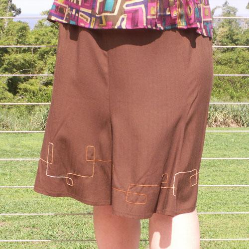 6 Gore Knee Length Skirt with Retro-Style Decorative Stitching - Sizes S, M