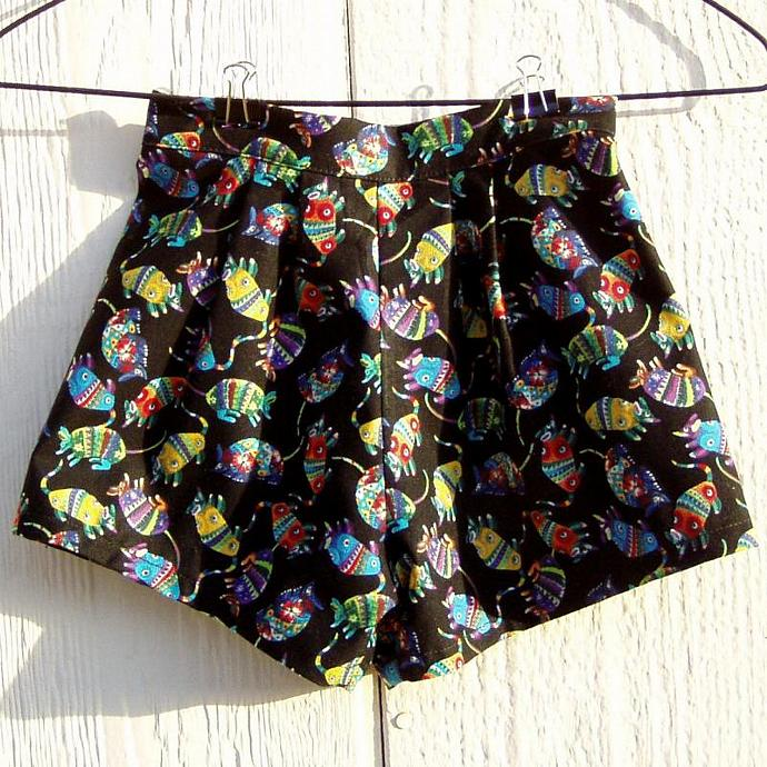 Bright Armadillo Shorts, Size Newborn
