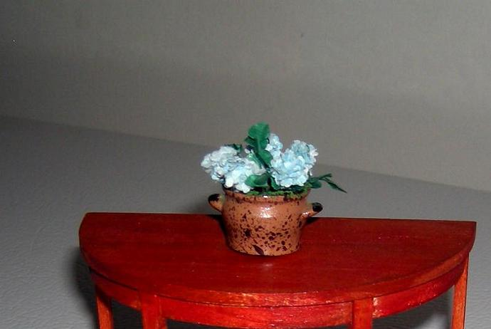 Hydrangea in One Inch Dollhouse Scale
