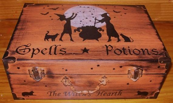 Witchcraft Primitive witch Spells and Potions purse Chest Box Halloween