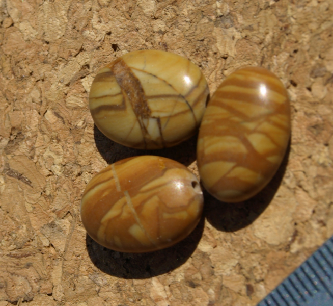 Gold Leaf Agate Oval Beads 10-1299
