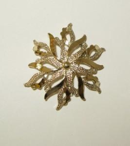 Vintage GERRYS Gold Color Circular Lapel Pin Brooch