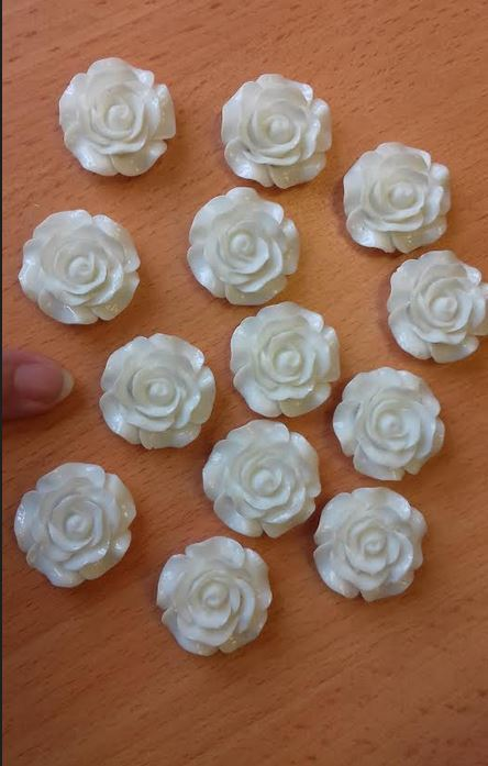 Top quality acrylic roses 30mm