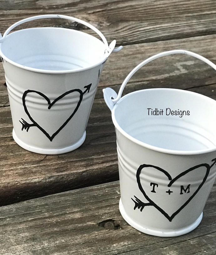 Personalized Rustic Heart Tin Pail Wedding Favors / Set of 100