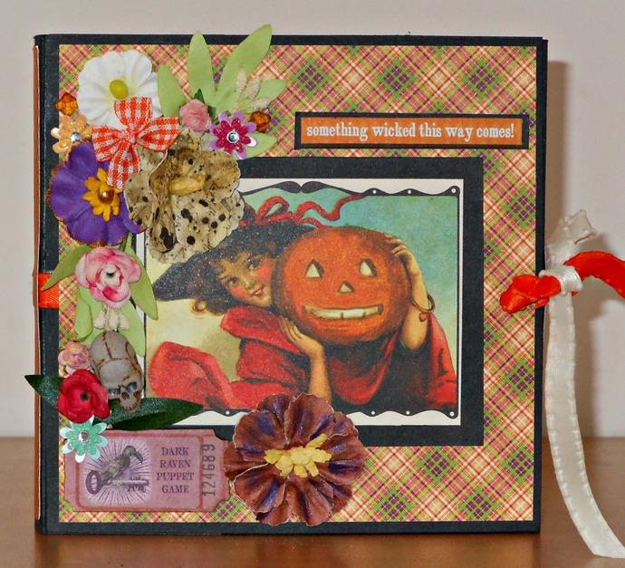 "Vintage Style ""Wallet"" Hallowe'en Brag Book"
