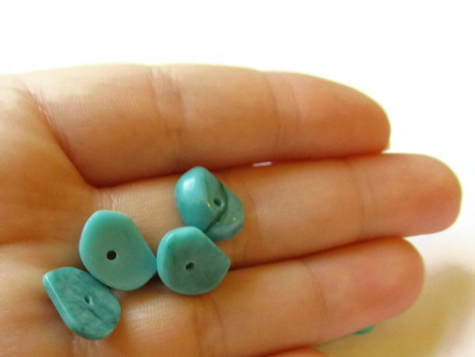 Turquoise Chip Beads Vintage Lucite Beads Old New Stock Beads 12mm x 9mm Qty 14