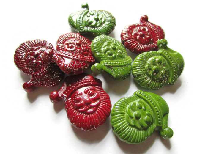 8 30mm Santa Head Beads Red and Green Santa Claus Bead Christmas Beads Holiday