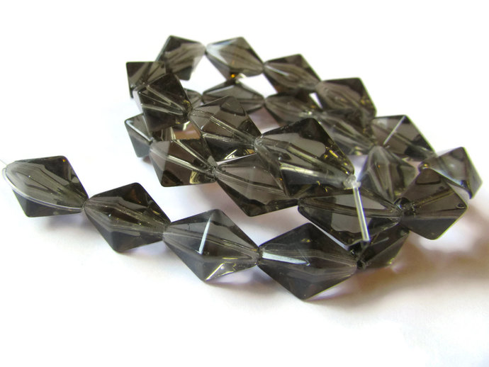 24 15mm Grey Crystal Beads Diamond Beads Square Bicone Beads Rhombus Beads 14