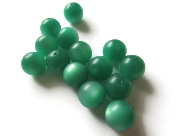 14 11mm Round Green Beads Vintage Beads Moonglow Lucite Bead Loose Beads Jewelry