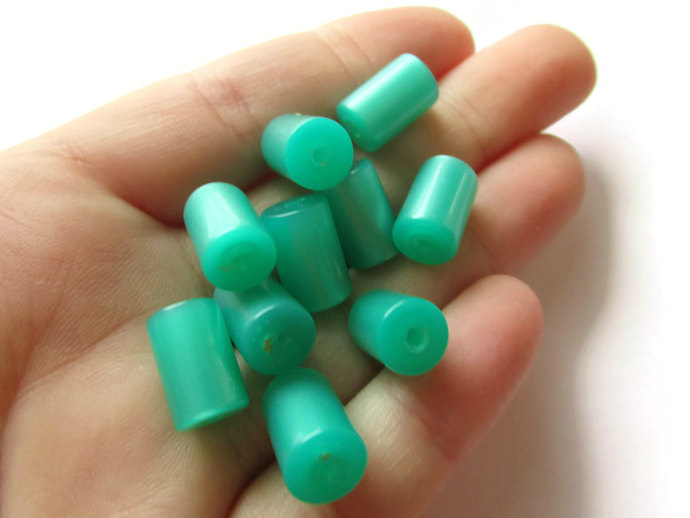 10 13mm Green Tube Bead Vintage Lucite Beads Moonglow Lucite Bead Loose Beads