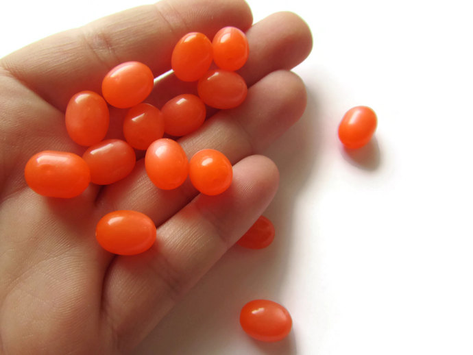 15 12mm Orange Oval Beads Vintage Lucite Beads Moonglow Lucite Bead Loose Beads
