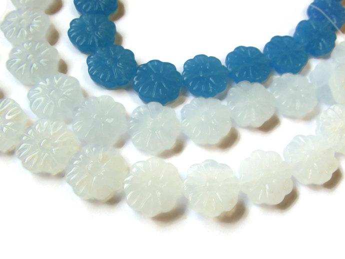 12 15mm Grey Beads and White Beads Flower Beads Full Strand Beads Flat Round