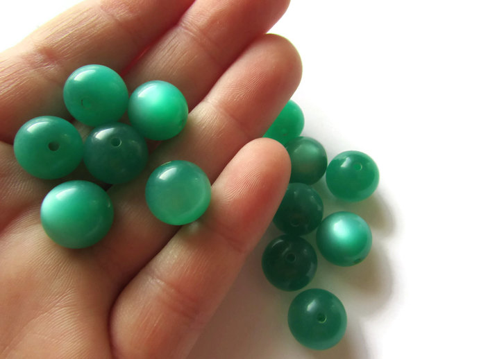 13 12mm Green Lucite Beads Round Beads Moonglow Lucite Bead Vintage Beads Ball