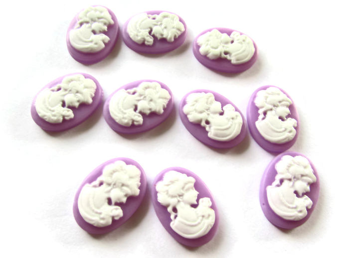 10 Lilac Purple Cameo Cabochons Victorian Cameo Woman Face Cameo Cabs 18mm x