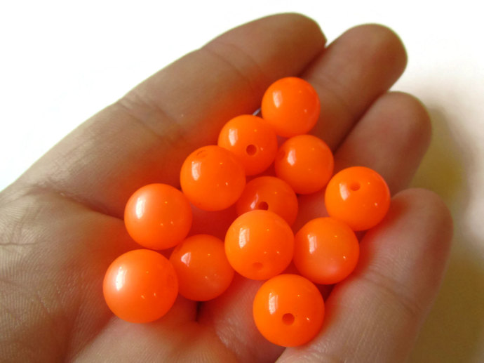 18 10mm Moonglow Lucite Vintage Beads Round Orange Beads Old New Stock Lucite