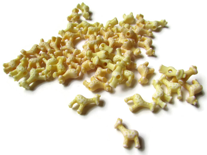 50 11.5mm Tiny Yellow Giraffes Giraffe Beads Miniature Animal Beads Acrylic
