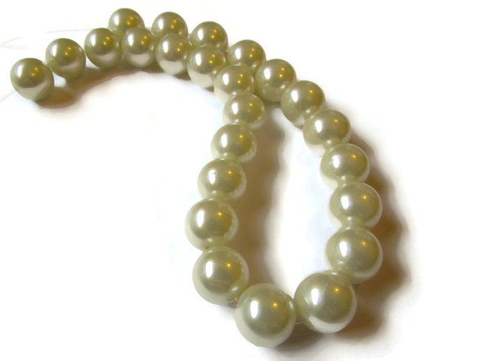 24 10mm Beads White Pearls Glass Pearls Round Beads Faux Pearls Loose White