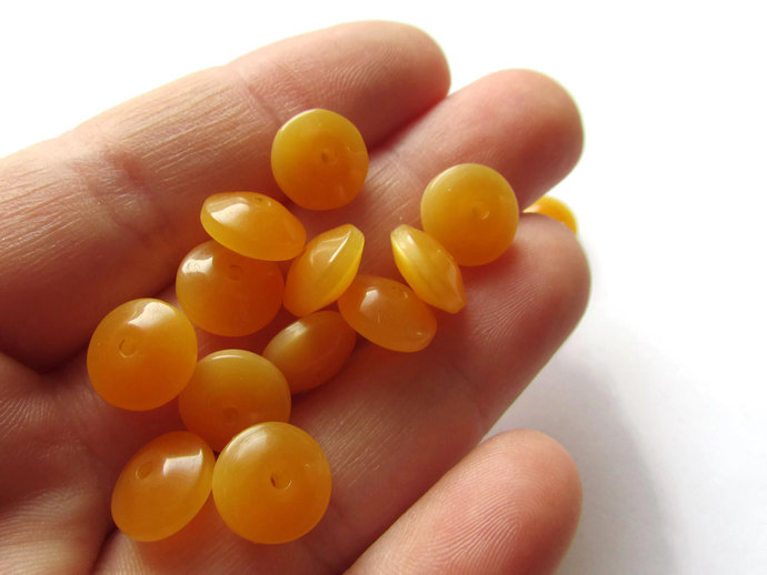 28 10mm x 5mm Honey Orange Rondelle Beads Vintage Lucite Beads Moonglow Lucite