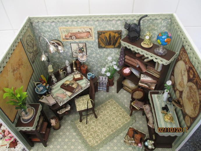 The Miniature Gentlemans Study Room