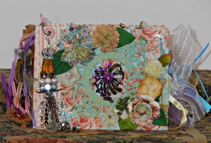 Super Chunky Shabby Chic Pocket Tag Mini Album