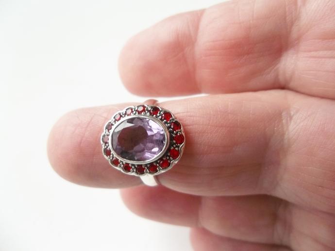 2 ct Amethyst and Garnet Ring, Keepsake Gift, Size 6 ring, Holiday Gift Ideas,