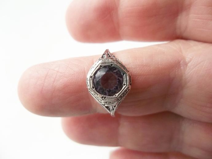 2ct Amethyst, Hexagon Ring, Mom's Gift, February Birthstone, size 8 ring,