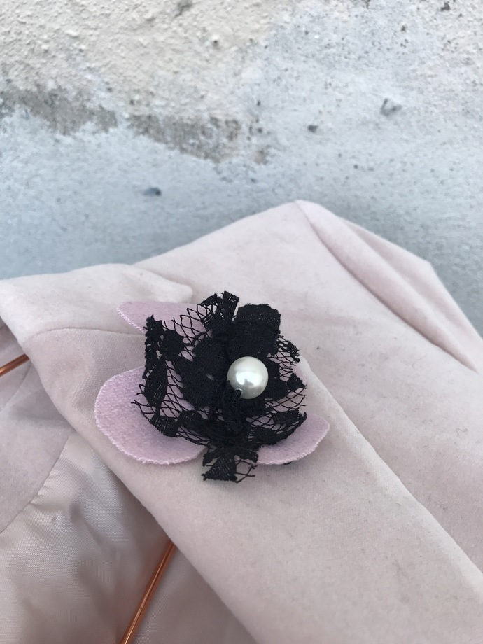 HANDMADE flower/ Wool/Viscose/ Lace /CHANEL look/with pin /czech glass