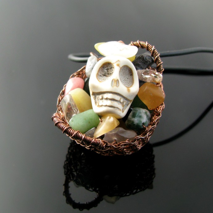 Wire crochet basket with skull and treasure