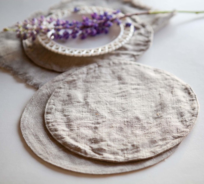 Round linen placemats set. Zero waste product for daily use on table. Reusable