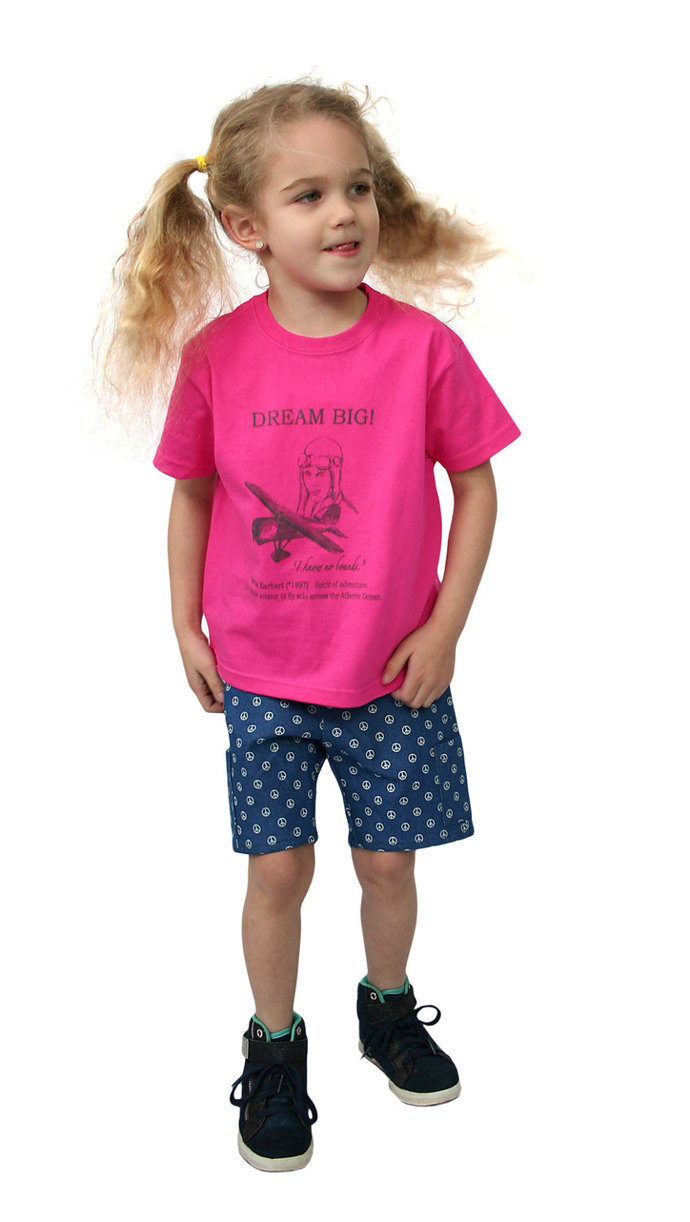 "Kids T-Shirt DREAM BIG Amelia Earhart ""I know no bounds"" in all rainbow colours"