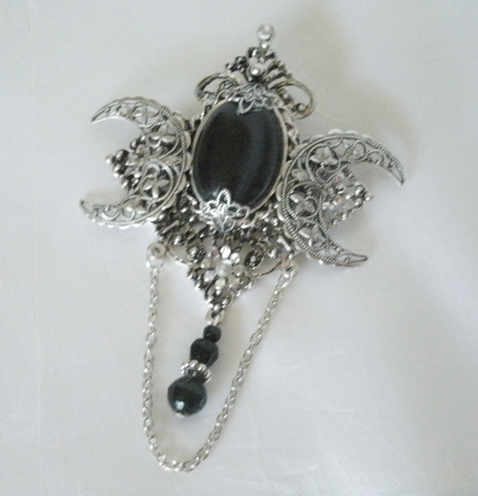 Black Onyx Triple Moon Brooch Or Cloak Pin