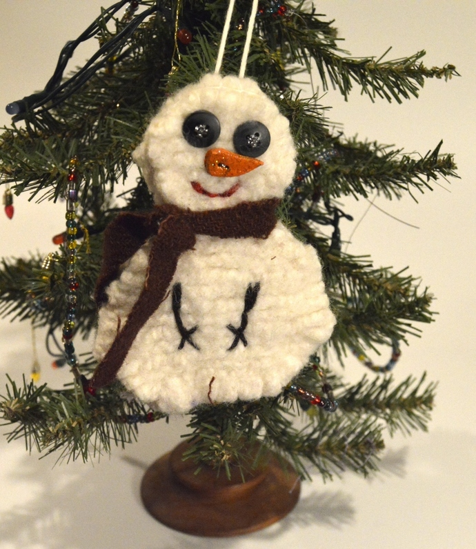 Snowman ornament, wool Christmas tree decoration, felted wool ornament, Folk Art