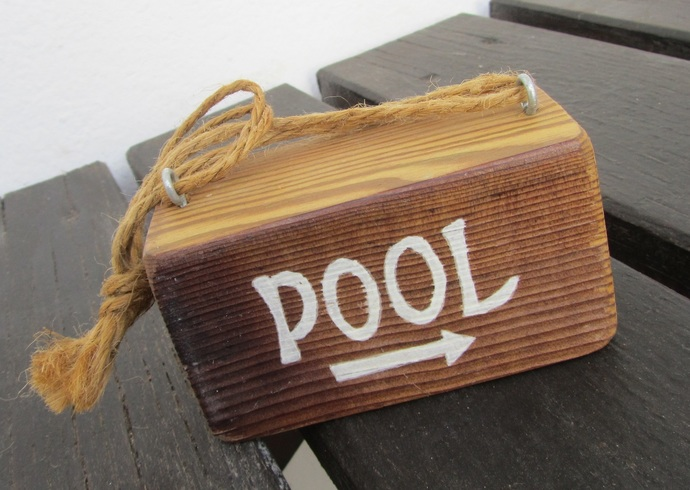 Pool - Handpainted wooden text sign - Home and wall decoration - Natural wood