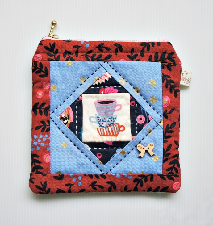 Teacups patchwork square zip pouch
