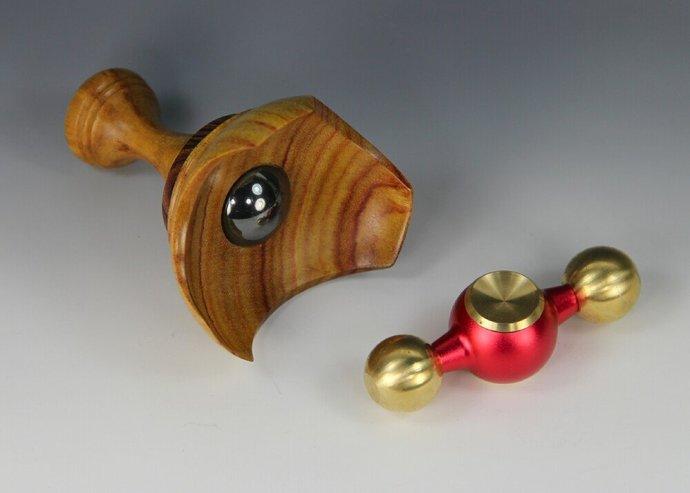 """Invader"" Fidget Spinner EDC Toy & Canarywood/Kingwood Display"