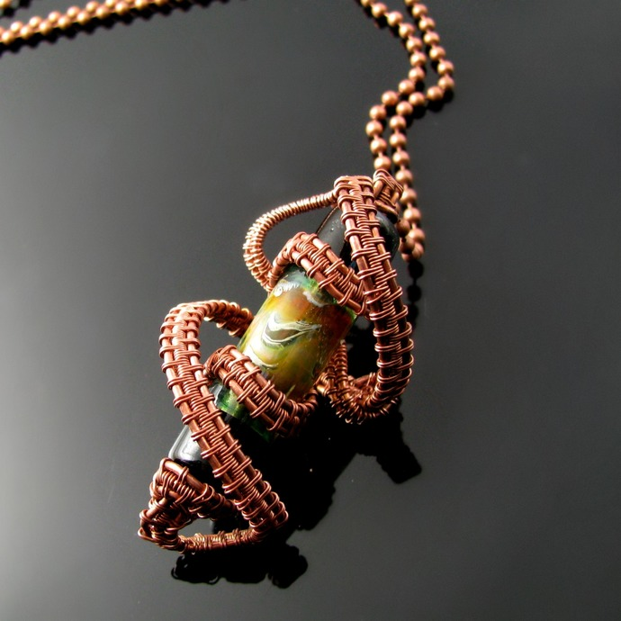 Rollercoaster - wire woven pendant with lampwork bead