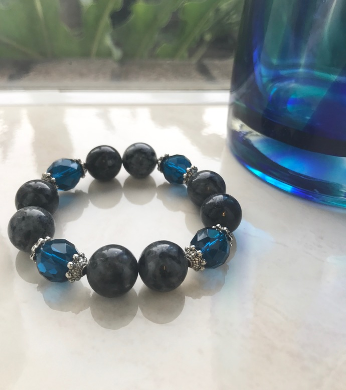 Gray and Blue Flashes of Delight Bracelet | 6 3/4 to 7 inches