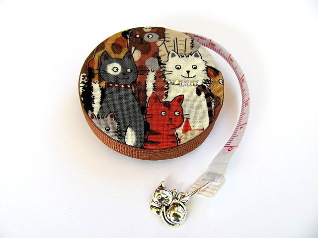 Retractable Measuring Tape with Mixed Cats Retractable Tape Measure
