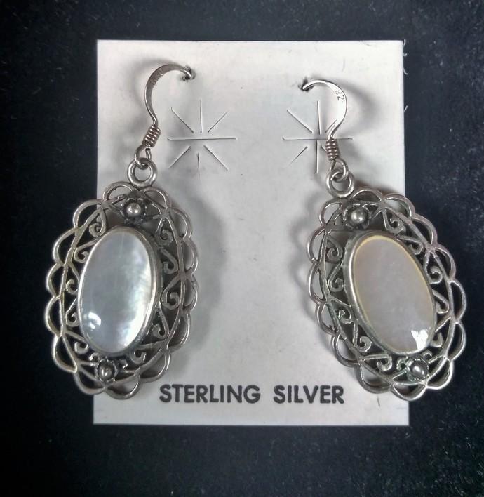 Mother of Pearl Elegant Earrings