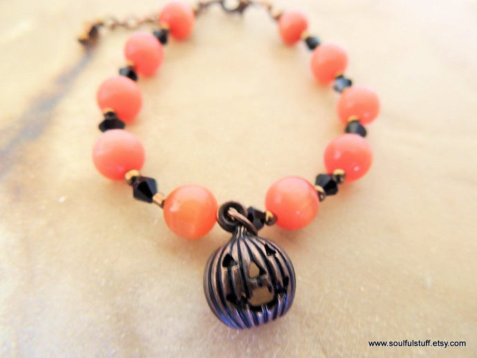 Pumpkin Bracelet, Cat's Eye Bracelet, Orange and Black, Copper Jack-o-Lantern,