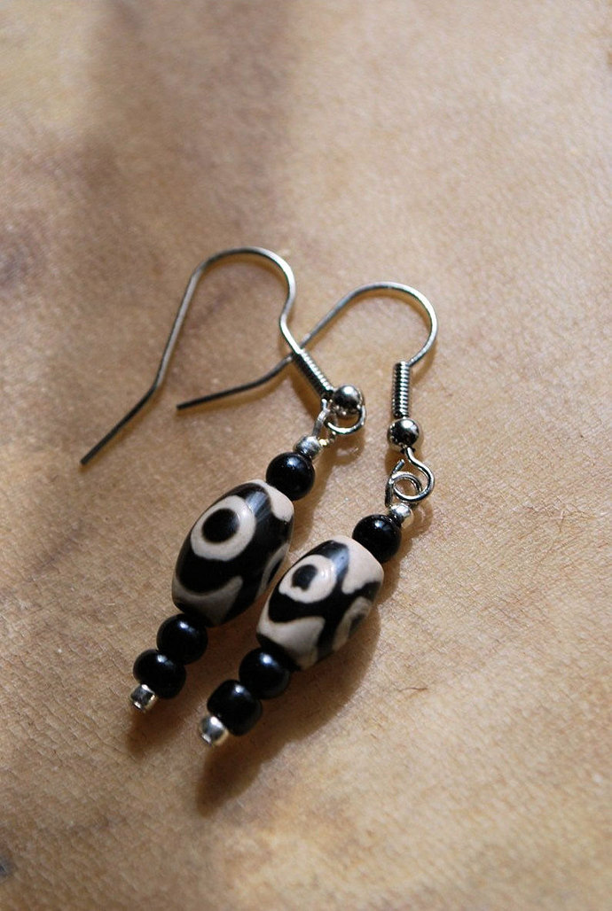 Owl Earrings, Carved Bone Jewelry, Onyx Jewelry, Native Style Jewelry, Dangle