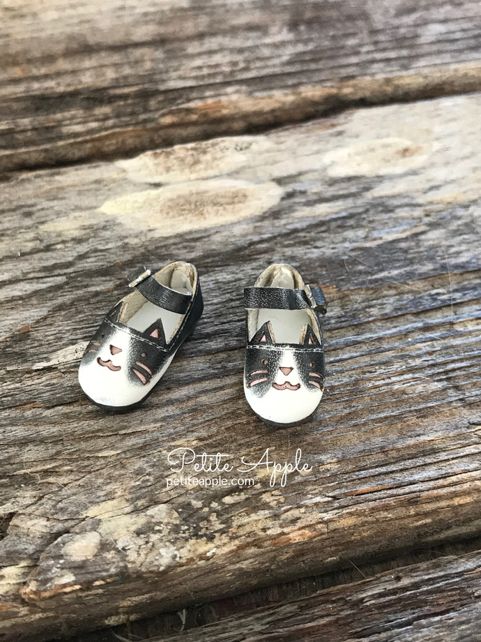 OOAK painted Blythe doll kitty cat shoes with ankle strap for Azone neemo body -
